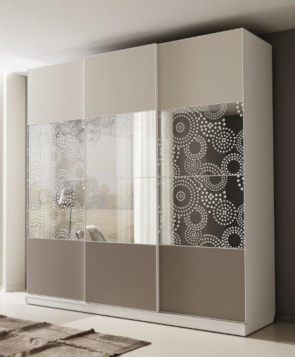 Шкаф-купе НОВА 3-х дверный с пескоструйным рисунком и зеркалом